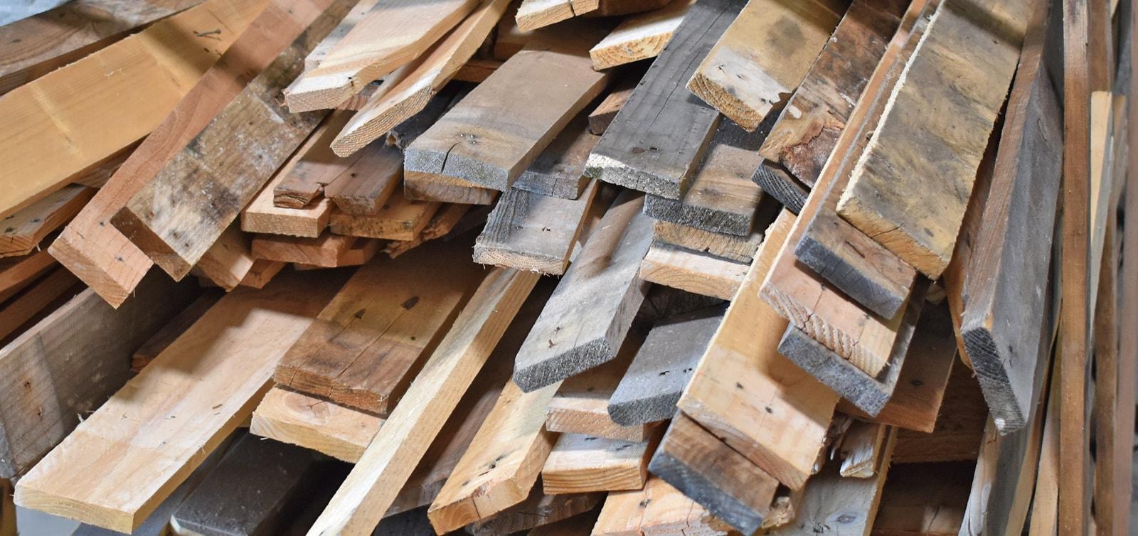 Planches de palettes en bois